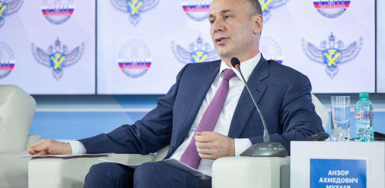 Рособрнадзор поблагодарил учителей за стабильность результатов ЕГЭ в 2021 году