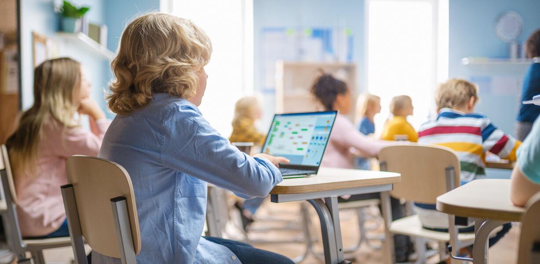 В России создадут «белый интернет» для школьников