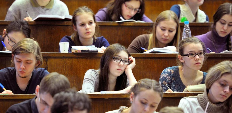 Более 80% студентов при выборе работы напервое место ставят зарплату