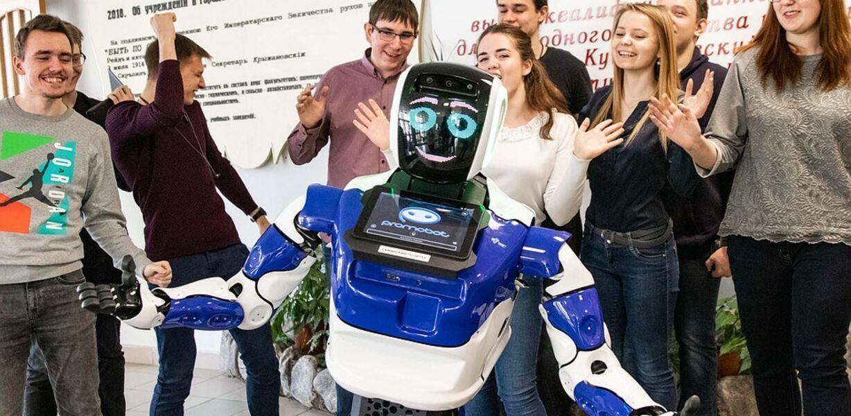 Самарских студентов будет учить робот