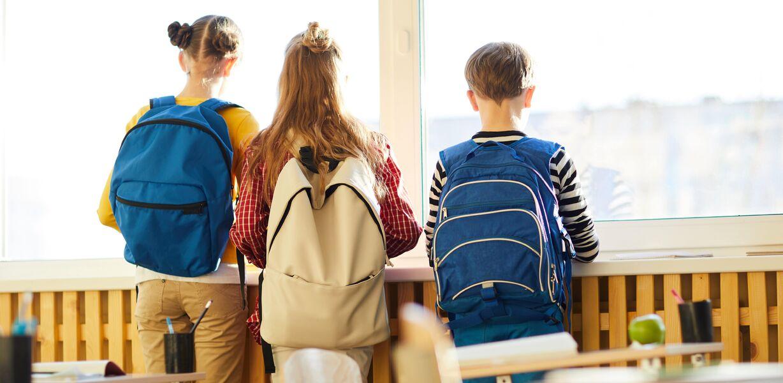 Путин поручил отказаться от третьих смен в школах к 2024 году