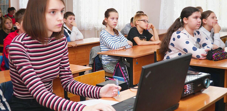 В России предложили установить единый интернет-тариф для школ