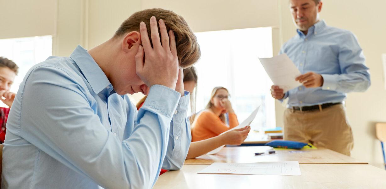 Рособрнадзор: почти половина учителей не дотягивает до базового уровня подготовки