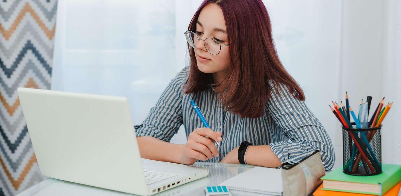 Половина российских студентов отдают предпочтение гибридному формату обучения