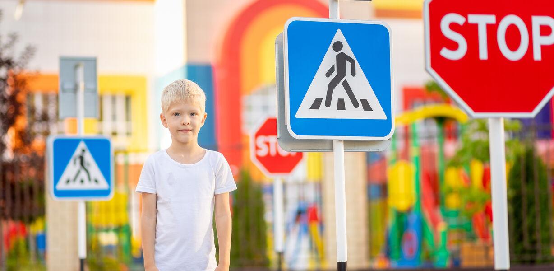 Минпросвещения усилит работу с учениками по безопасному поведению на дорогах в 2021 году