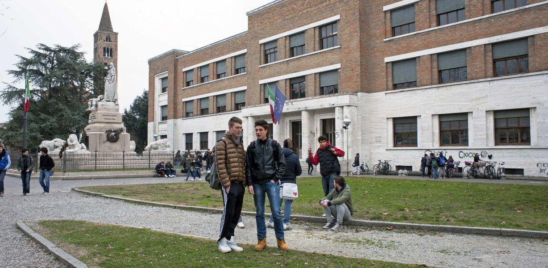 В ЕС доля рано бросивших школы учеников за последние 10 лет сократилась