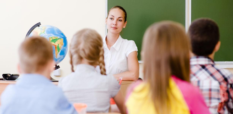 Путин поручил разработать новую концепцию конкурса «Учитель года»