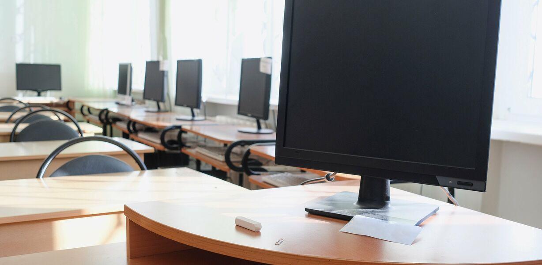 Минпросвещения планирует перевести школы на электронный документооборот