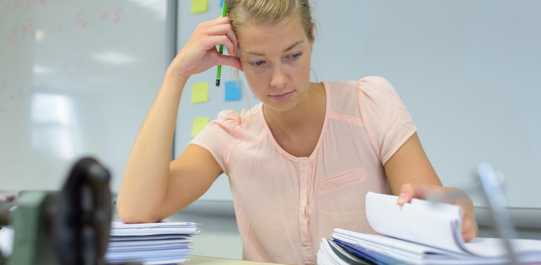 В Минпросвещения заявили о сокращении бумажной нагрузки учителей
