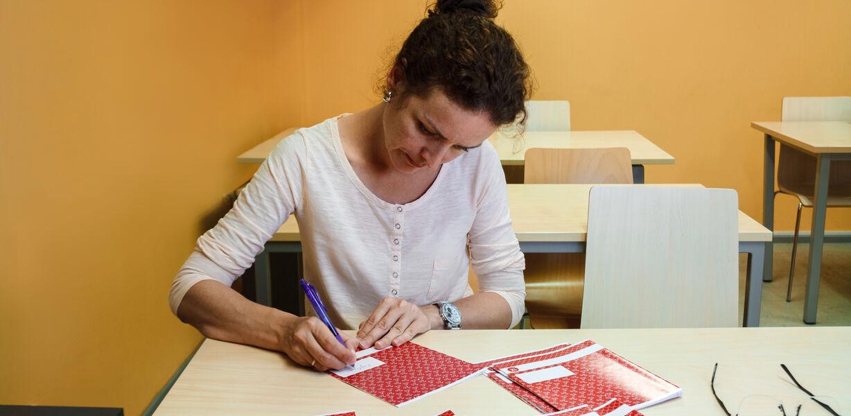 Ростовская учительница подсчитала, что за проверку одной тетради получает 88 копеек