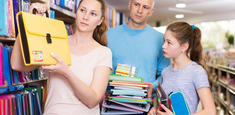 Миронов попросил ФАС проверить цены на школьные принадлежности