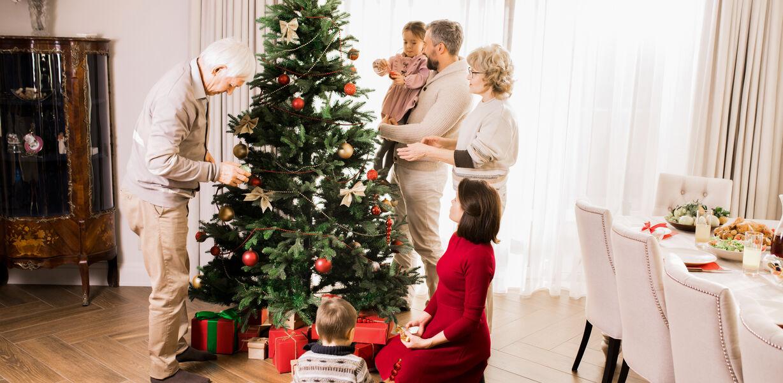 Семьям с детьми до семи лет выплатят по пять тысяч рублей на ребенка