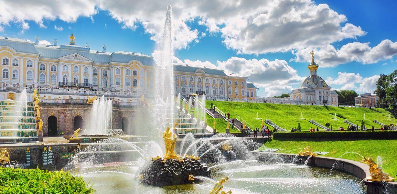 В Петербурге отменили бал медалистов